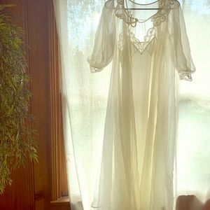 Intimates & Sleepwear - Vintage nightgown and sheer robe